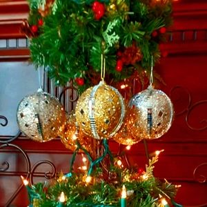 Ball Shaped Sparkling Chrismas Tree Ornaments